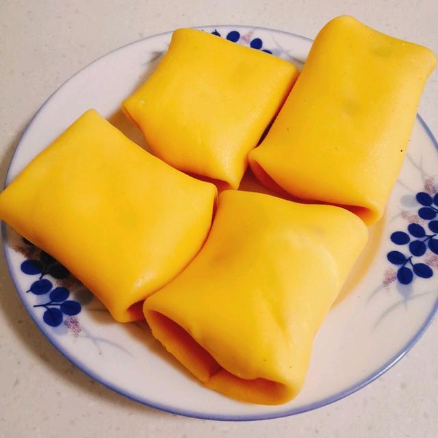 【班戟小甜品】的做法+配方,经典的港式甜品,软嫩有水果滋味儿