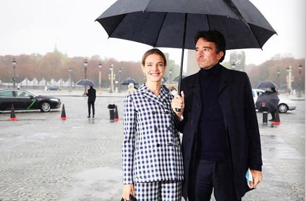 LV少奶婚后首秀Dior巴黎春夏,孟美岐云上看秀穿出一身清流-第7张