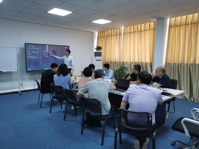 森石科技联合高校专家学者举行硬软件开发讨论会