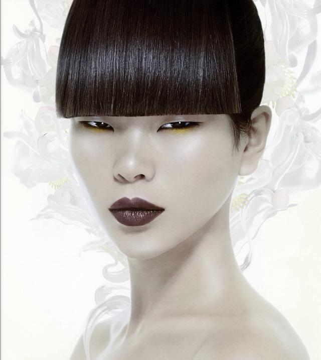 """吕燕被称为""""丑""""模,她是怎么被发现当上模特的?"""