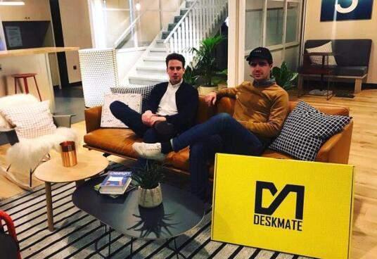 创业案例:他开发出一套轻量的站立式办公桌,两年多时间实现超过 120 万英镑的收入 创业项目