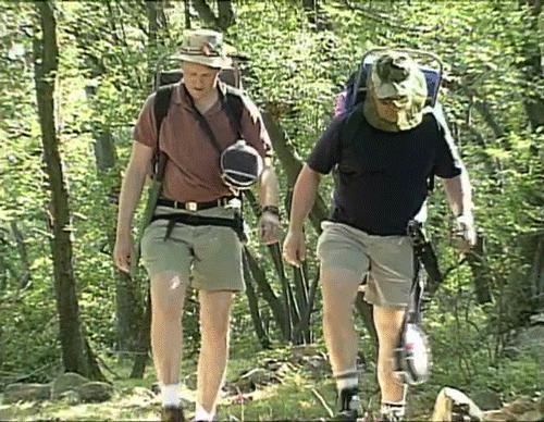 想出外爬山,户外山系穿搭让你从路人变男神