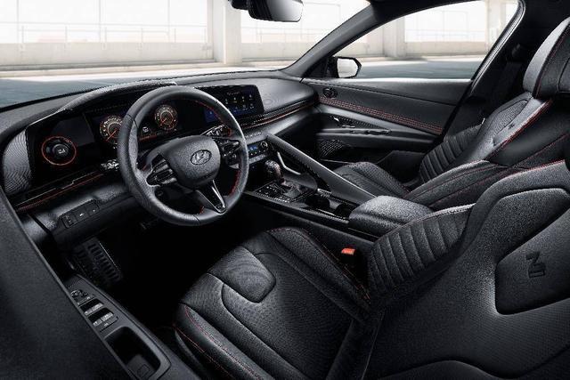 再添新生力 现代汽车全新伊兰特混动版及N Line版活力登场