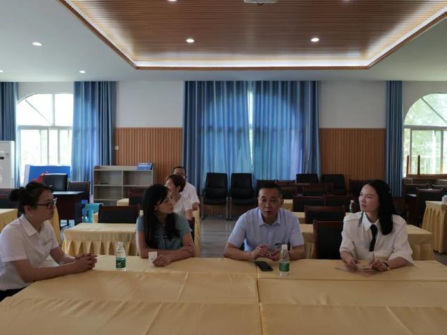 第 36 个教师节,岳池县人民医院开展一系列慰问活动