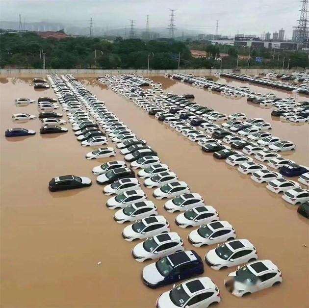 广州暴雨致电动车电池严重损毁,保险公司称只能进行报废!