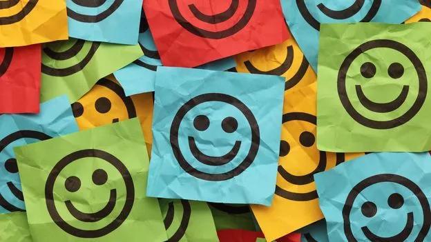用python分析《世界幸福指数报告》后我们发现…