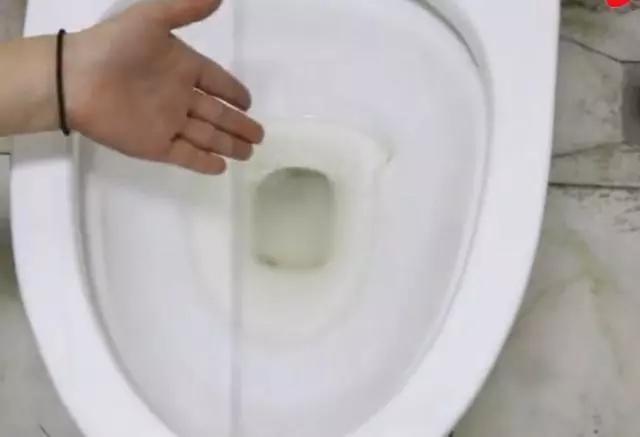 生活小窍门:自制实用清理剂,快速清除污垢油渍
