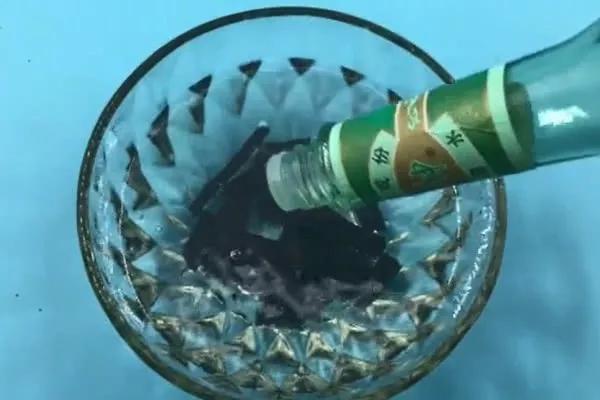 生活小窍门:没用完的蚊香泡一泡,解决夏天大烦恼