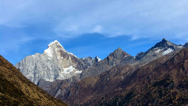 成都出发,你也可以攀登人生第一座5000米的雪山四姑娘山大峰