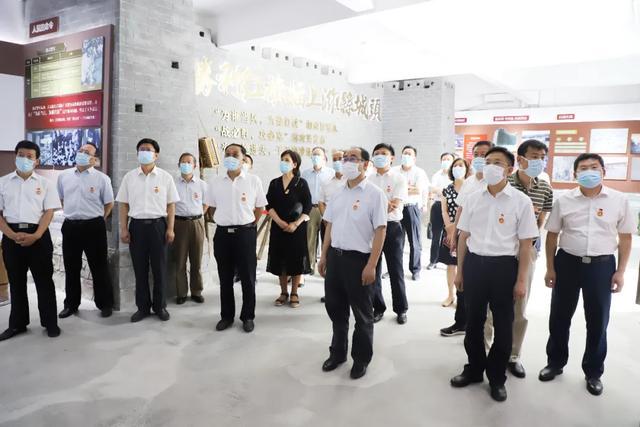 潍坊市人民医院赴潍县战役党性教育基地主展馆参观学习
