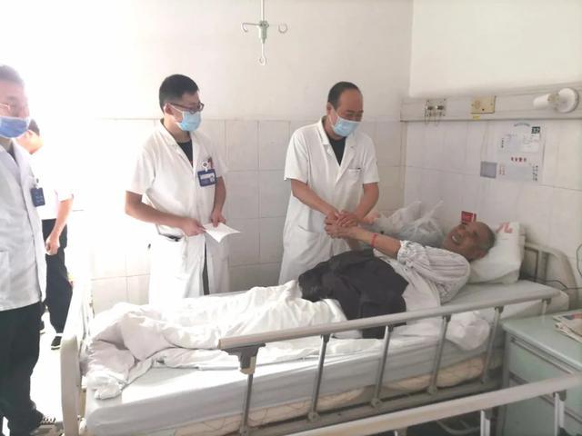 勇闯高龄手术禁区, 南京江北人民医院成功为耄耋老人实施复杂手术