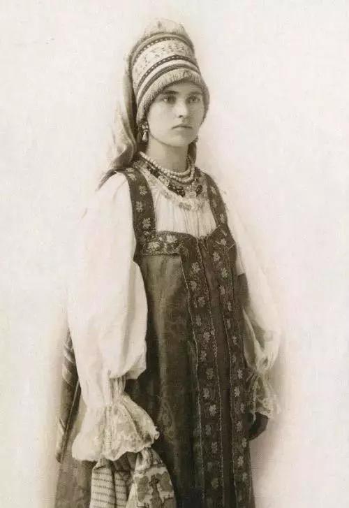 100年前的老照片带你看看世界各地的那些天然美女长什么样(组图)