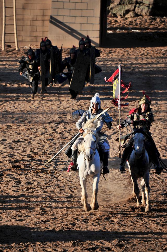 一路向北,以马为梦,不负生命中每一个美好的金秋