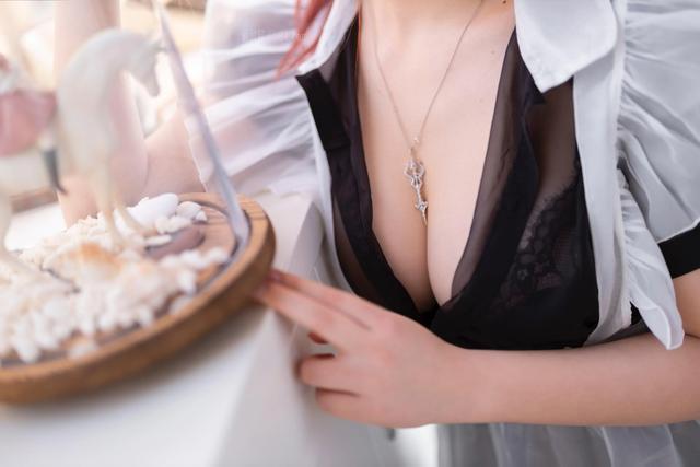 叉子宝宝《双马尾透明女仆》[43p]