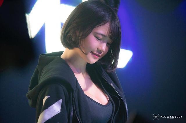 忘记Soda吧,亚洲第一胸器女DJ易主了...