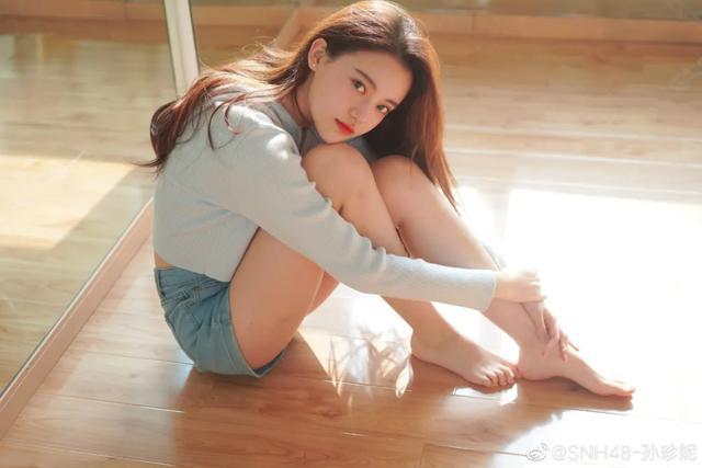 吴亦凡参加的女团选秀节目,里面老妹儿都是什么水平?