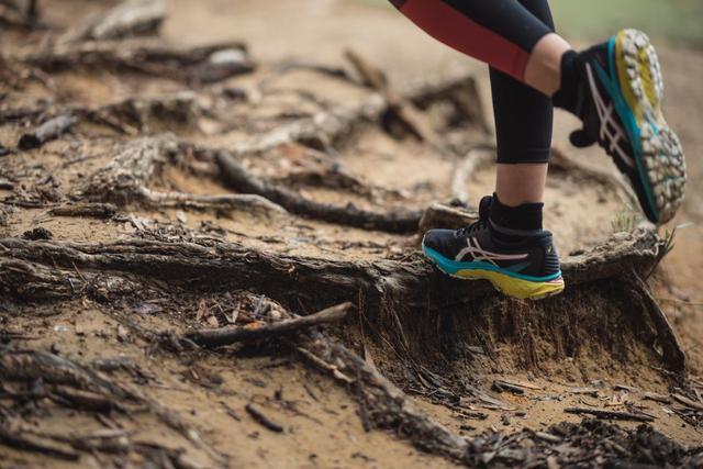 Nike、adidas、ASICS纷纷推出越野跑鞋,三大品牌跑鞋新作