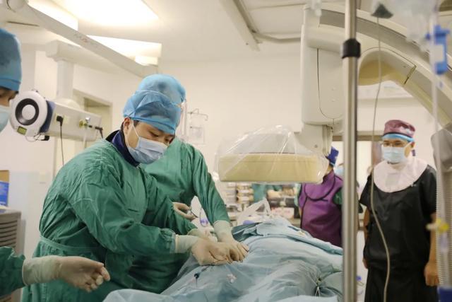 用爱和医术筑起护佑人民健康的钢铁长城,走近宜昌市第一人民医院医师团队