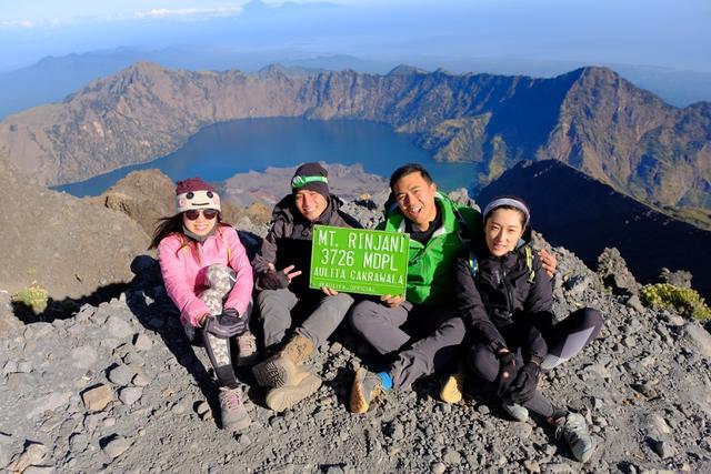 回忆印尼徒步旅行,登顶龙目岛最高峰林贾尼火山