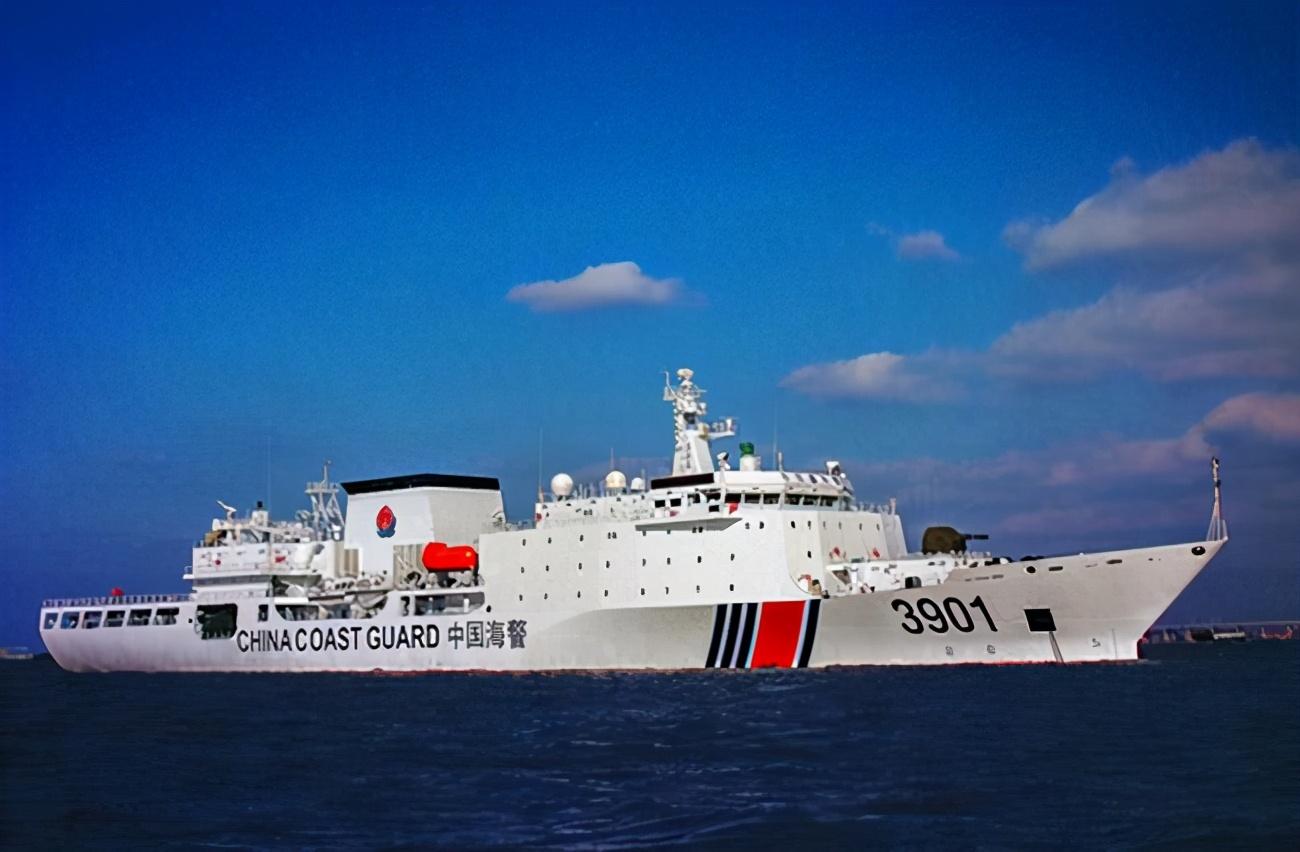 """中国《海警法》实施两月遭遇日本""""碰瓷""""渔船"""