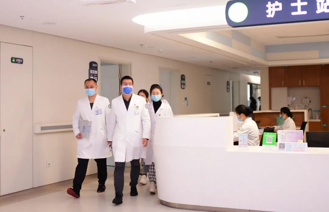 重庆市璧山区人民医院成功实施单孔胸腔镜下肺癌根治术