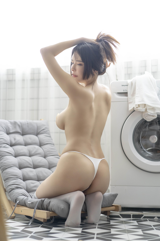 秋和柯基NO.026洗衣房的室友姐姐[70P1V-3.93GB]