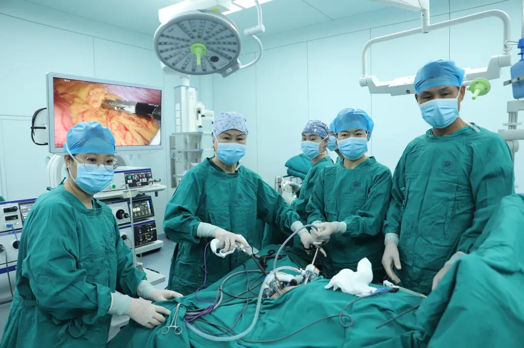 前海人寿广州总医院妇科成功为两名卵巢癌患者实施手术