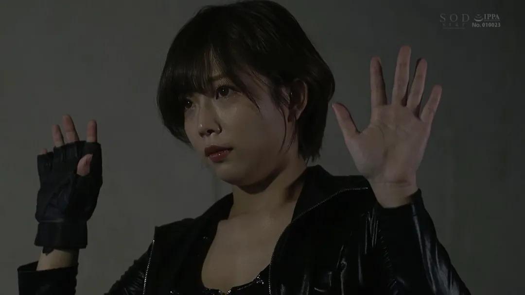 STARS-343纱仓真菜(纱仓まな),照顾后辈的搜查官