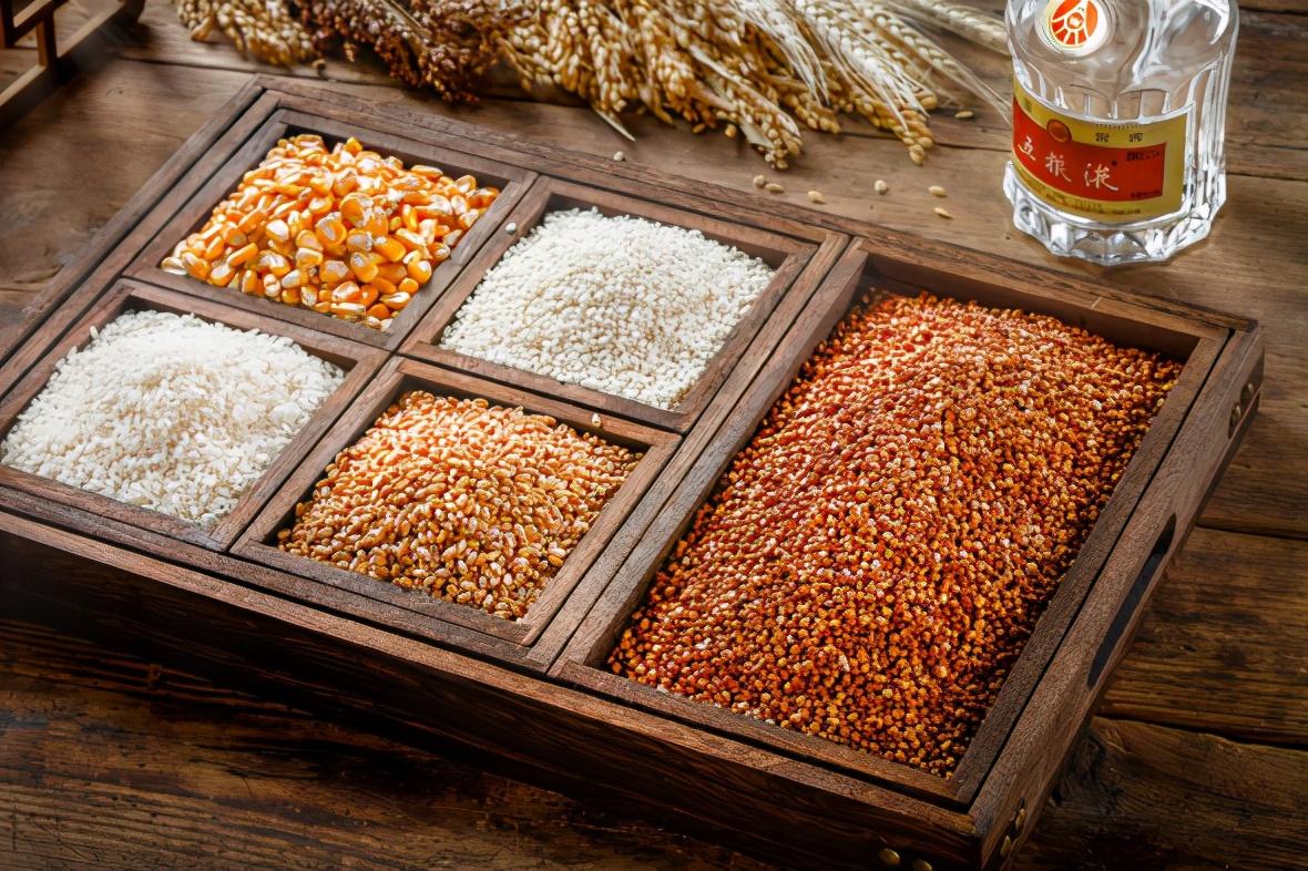 宜宾人用最好的粮食酿造五粮液
