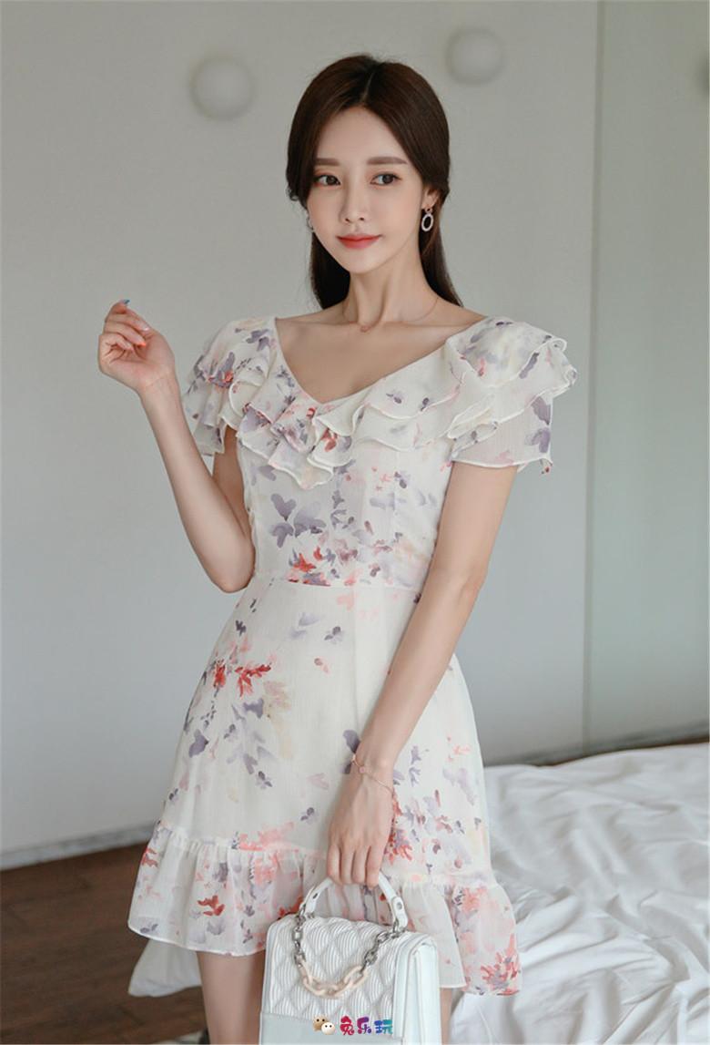 孙允珠丨芳町原野山茶小碎花可爱洋裙