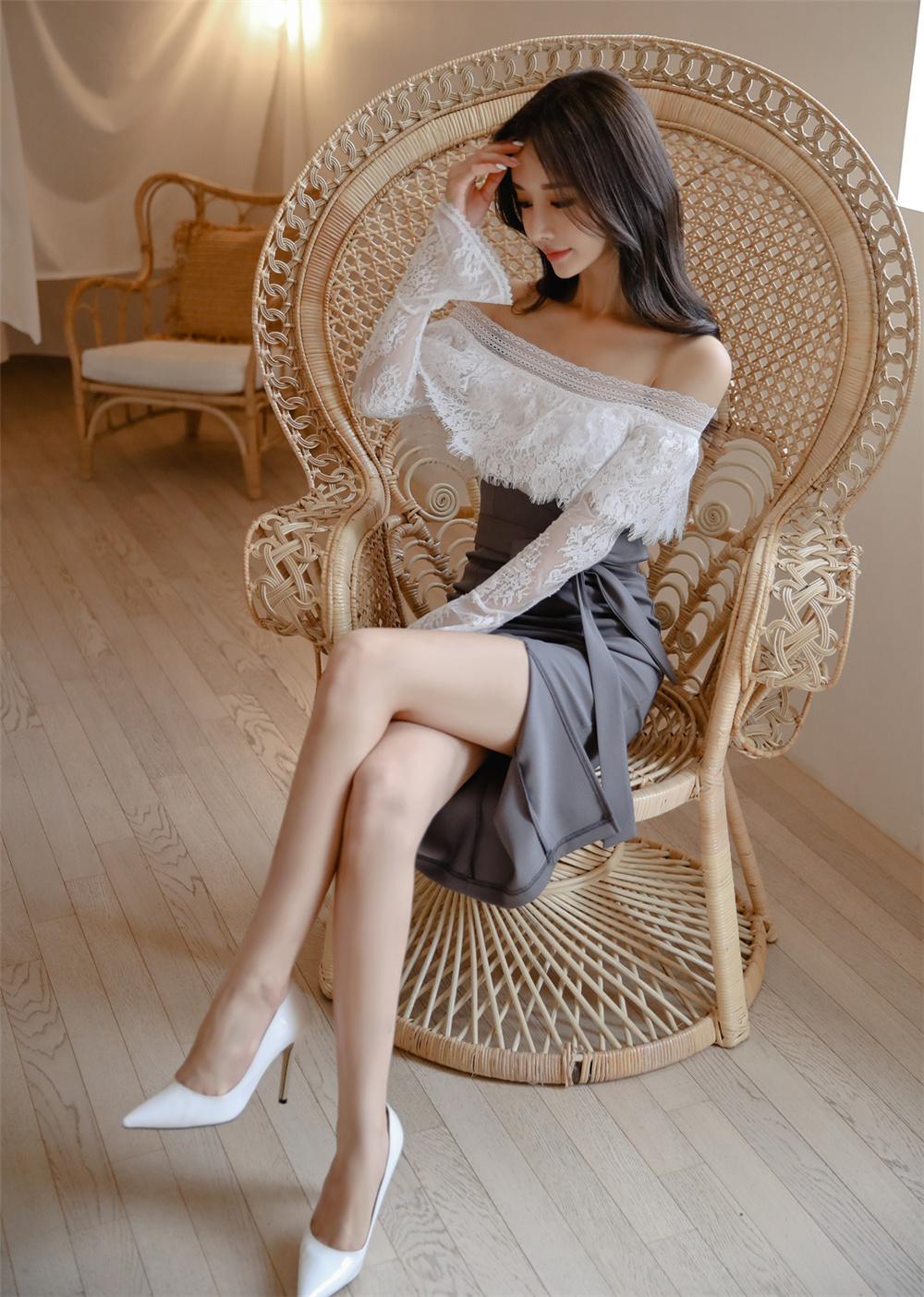 孙允珠丨雅致清灰蕾丝层叠镂花拼搭裙